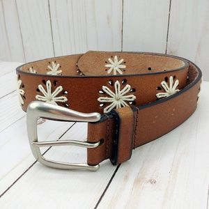 Brown bonded leather belt with daisy stitching